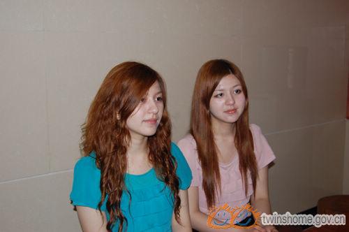 美丽的土耳其双胞胎姐妹于嬿平、于嬿华